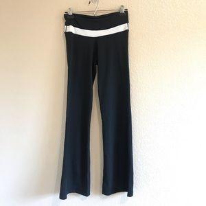 LULULEMON flare leggings size 4 regular